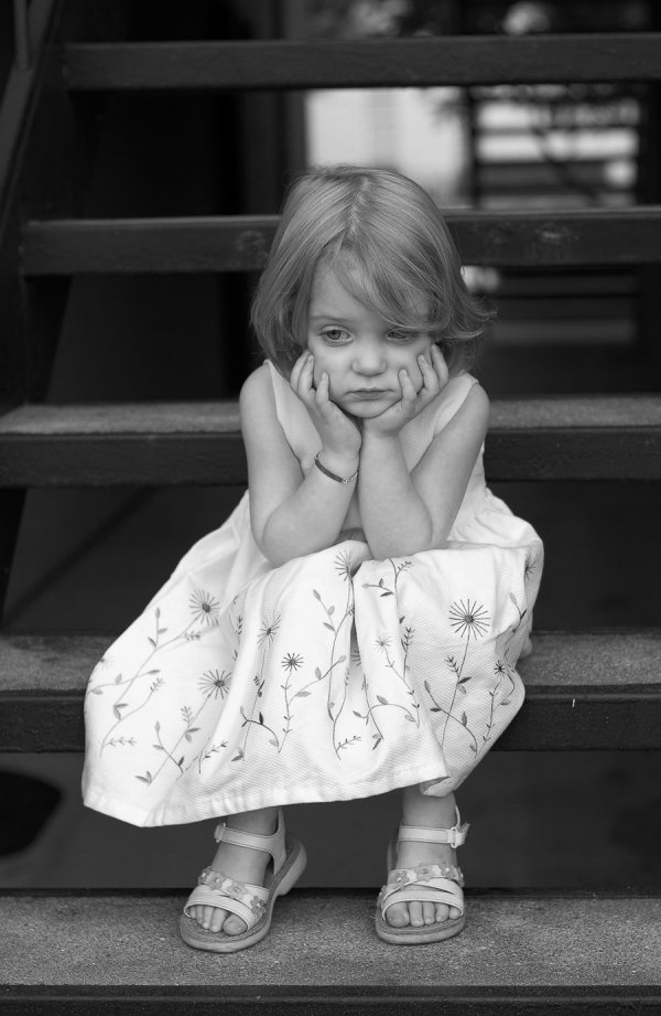 Sad_girl_by_gregbohn